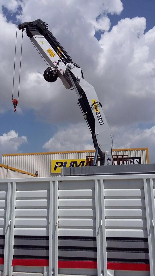 Arac Üstü Vinçler (Hiab) Puma 10 tonluk Hiyap vinç Satılık 10 tonluk Puma vinç uzaktan kumandalı vinç