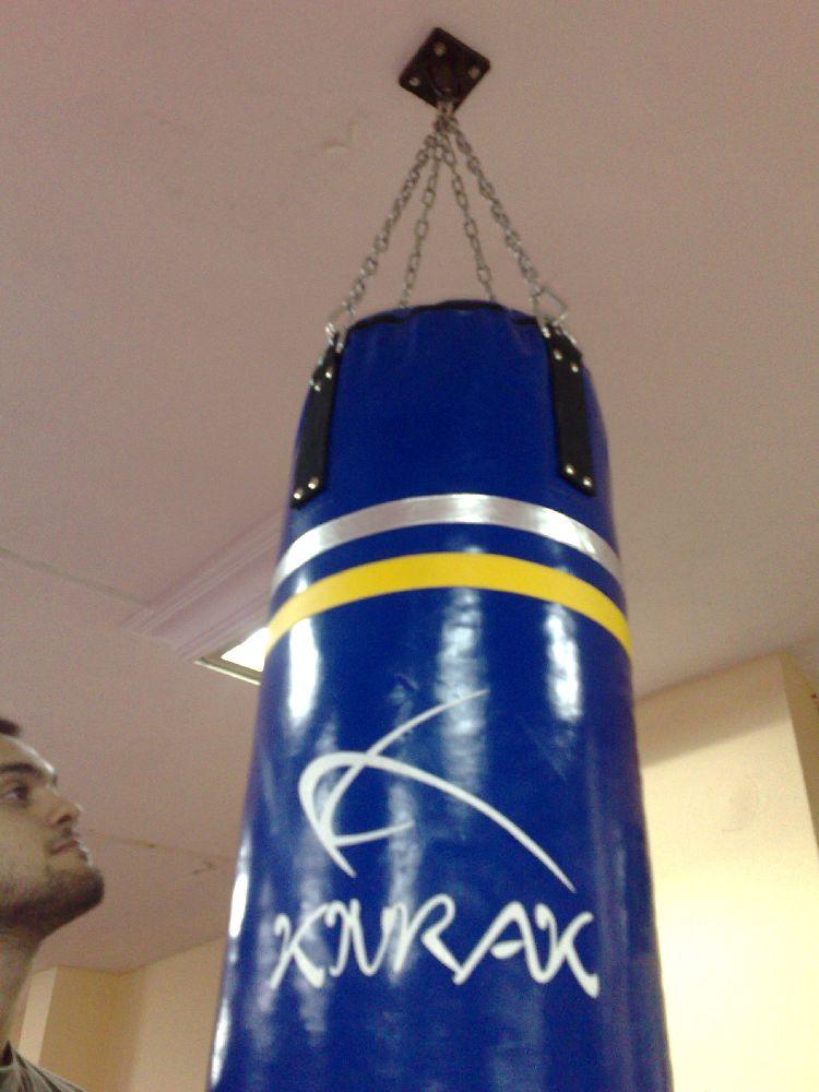 Dövüş Sporları : Satılık, Kıvrak Kum Torbası 150 Cm Eldiven ve tişört Hediye