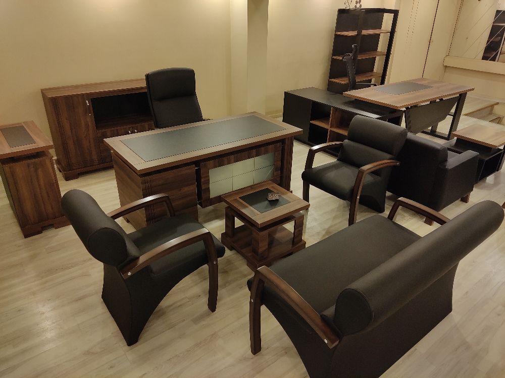 Makam Oda Takımları Derili Satılık 160 cm siyah deri süm masa takımı koltuklar dahil