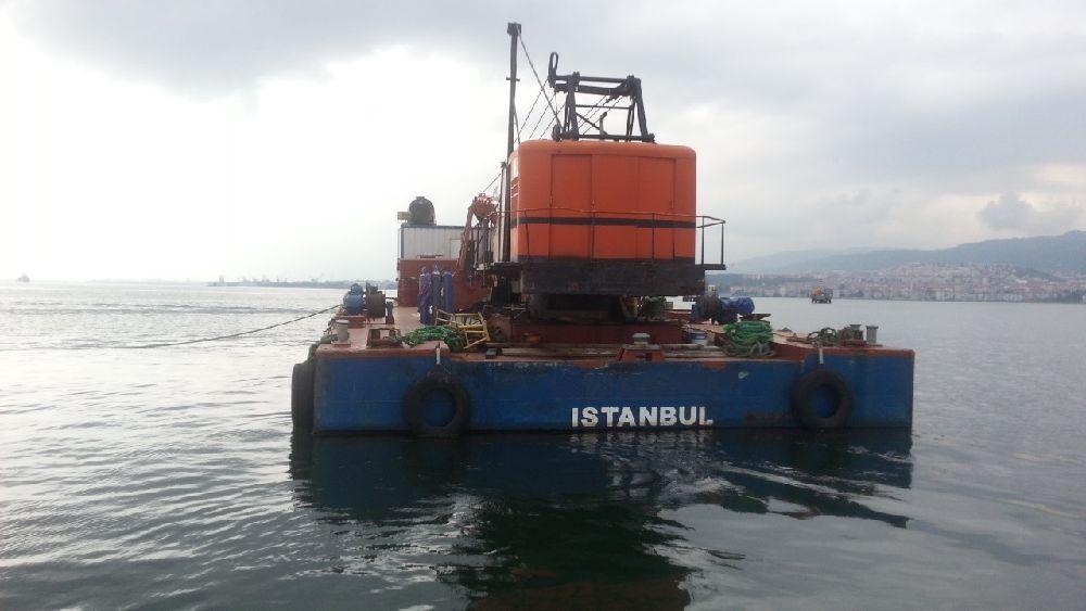 Diğer Tekneler Yüzer kreyn/ tarama dubası Satılık Yüzer vinç/ tarama dubası