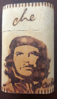 Küba'Dan Ahşap Sigara Kutusu Che Temalı 6*10*4 cm.