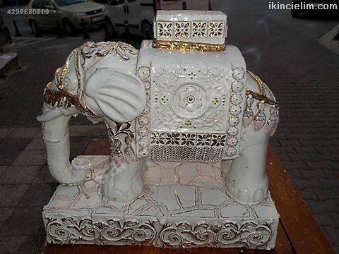 Hekel-1800 lü yıllardan kalma fil heykeli - Çok na