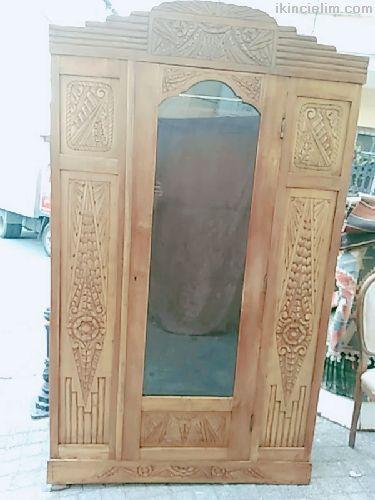 Bakımı gomalak cilası yapılmış  tek kapılı dolab