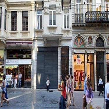 Beyoğlu,İstiklal Cad Üzerinde 60 mt Kiralık Dükkan