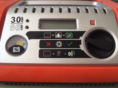 30 Amper Akü Şarj Cihazımızla Hızlı Şarj işi