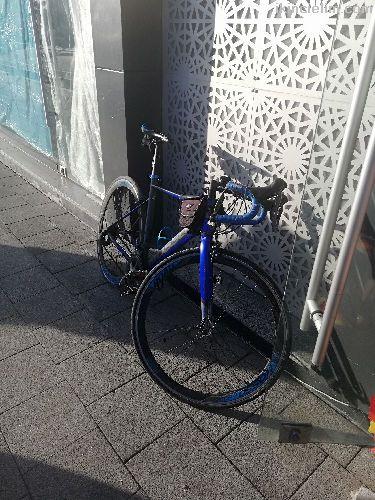 Temiz acil satılık yarış bisikleti
