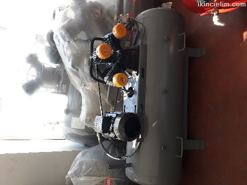 300 litre pistonlu kompresör
