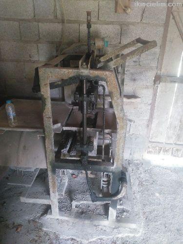 Manuel 20 cm ve 15 cm'lik briket makinası