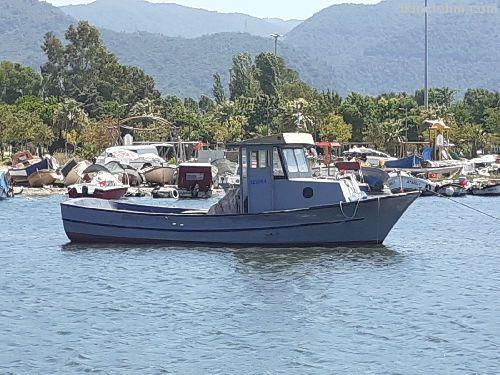 Sorunsuz balıkçı teknesi