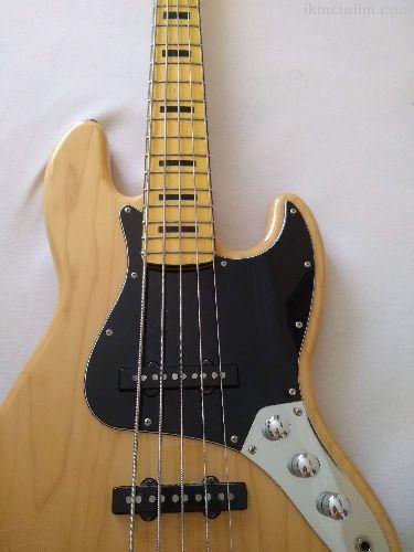 Vintage Modified 70's Jazz Bass 5 Telli