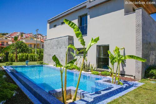 Kuşadasında Özel Havuzlu Tek Müstakil Villa