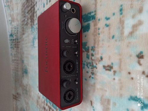 Focusrite scarlett 2i2 ses kartı