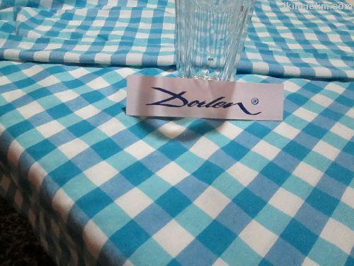 Kareli Masa Örtüsü