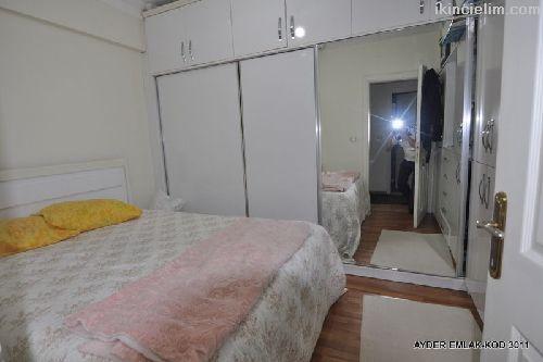 Yenibosna mah de satılık 100 m² 2+1 - 4. kat daire