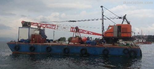 Yüzer vinç/ tarama dubası