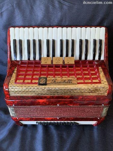 Scandalli akordeon