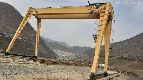 12  metre 20 ton sıfır ayarında portal vinç
