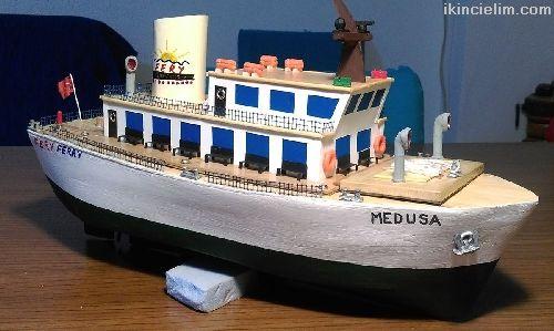 El Yapımı Yüzer Model Feribot - Medusa